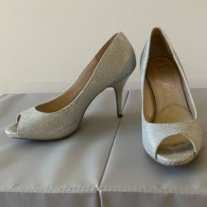 BETTS SHOES FOR HER - Silver Majesty Peep Toes
